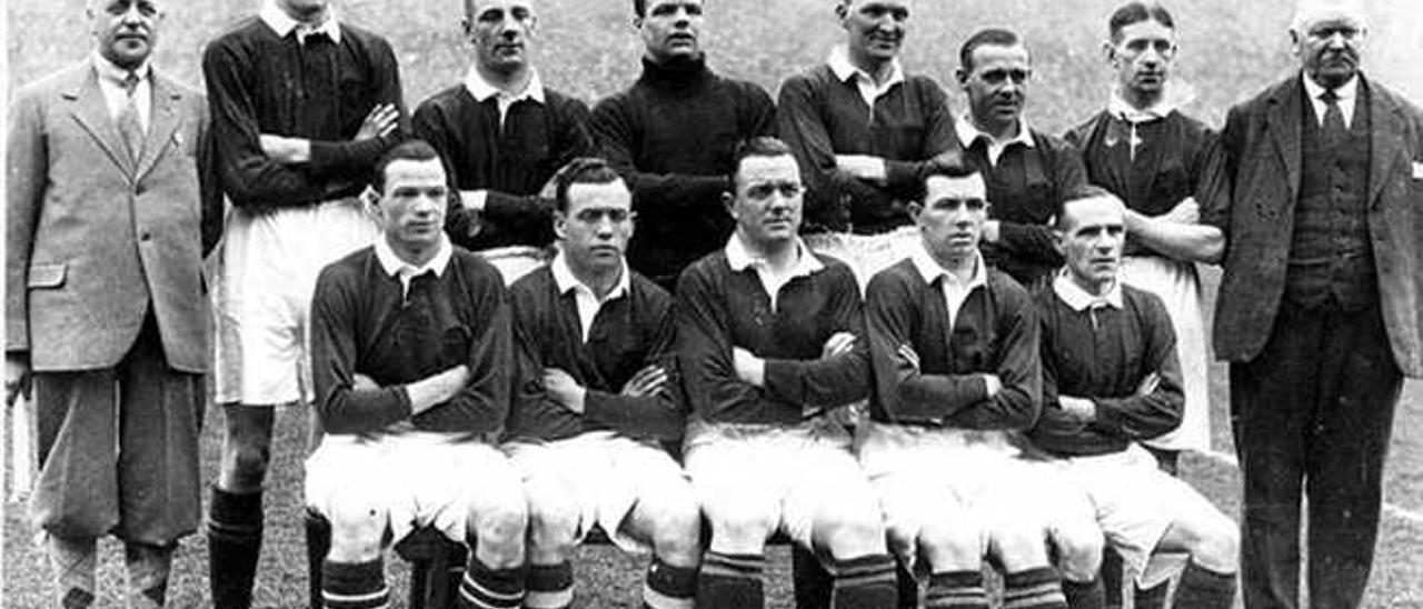 Imagen del equipo que alineó Escocia el 31 de marzo de 1928.
