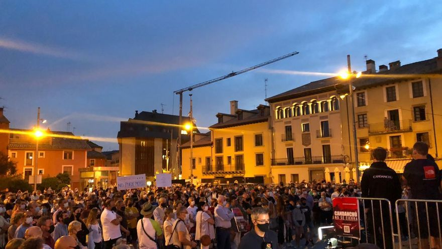 Los afectados por el cierre de Candanchú se echan a las calles en Jaca