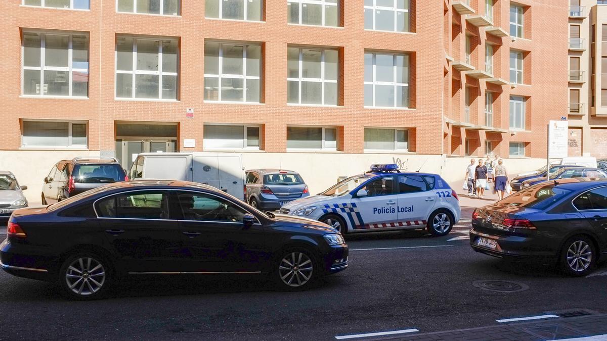 Policía Local de Benavente, por las calles del municipio.