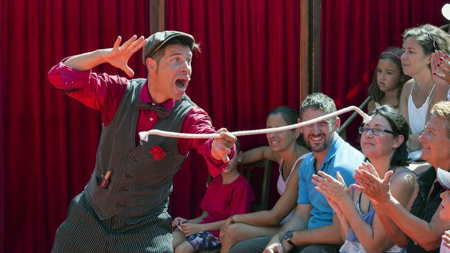 El Festival de Teatro de Calle 'Camino de Santiago' arranca su gira estival por la Canal de Berdún