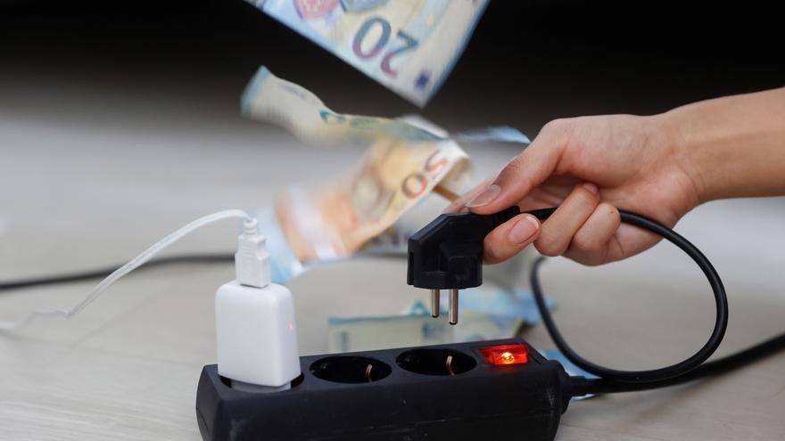El precio de la luz repunta este jueves un 3,2%, hasta los 207,92 euros/MWh