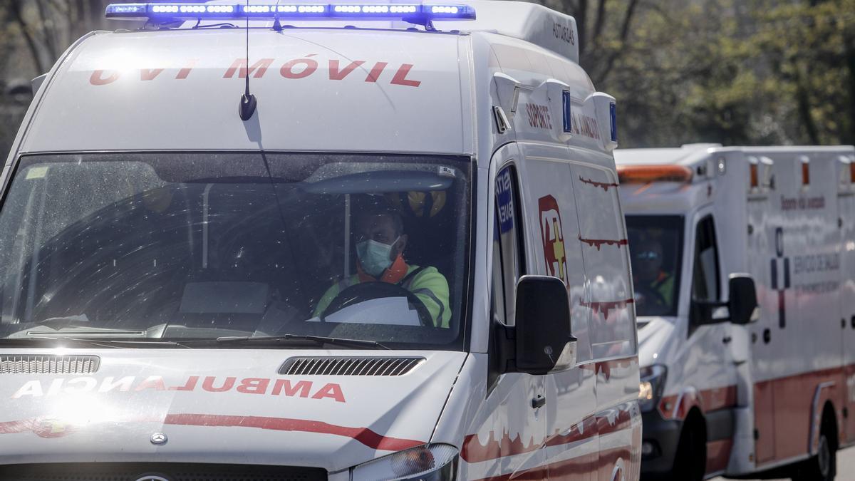 Un traslado en ambulancia, en tiempos de pandemia.