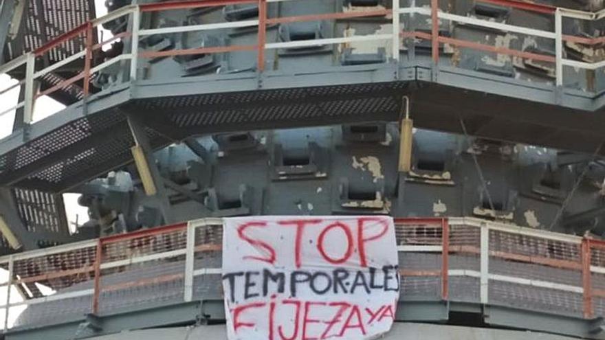 Los interinos llevan su protesta  a distintos puntos de Sagunt