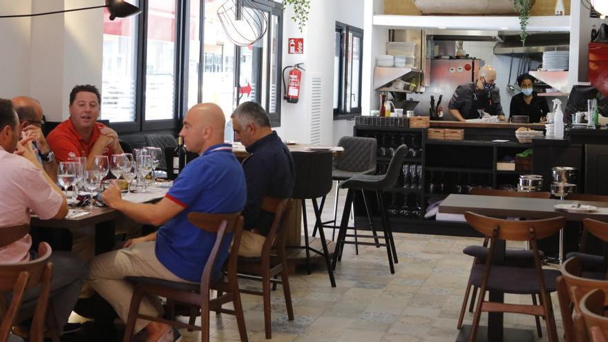 Chancen auf baldige Öffnung der Restaurant-Innenräume schwinden