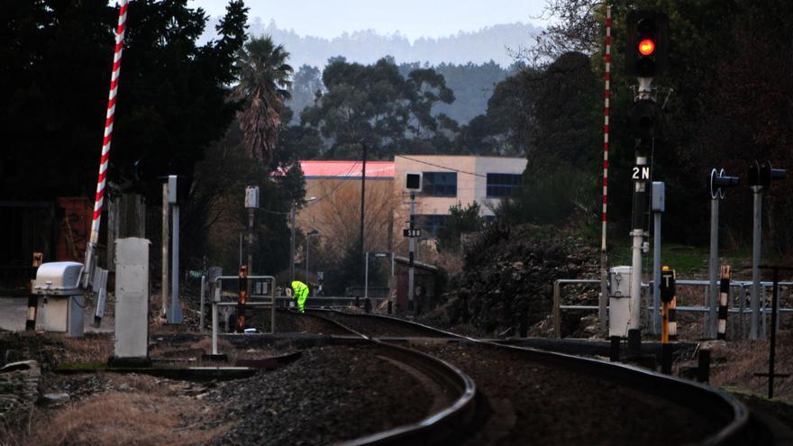 Muere una joven de Catoira golpeada por el tren