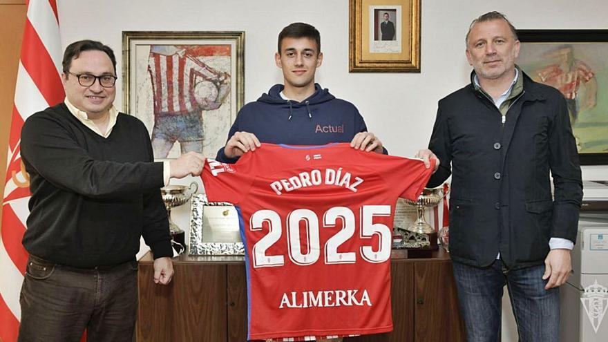 Oficial: Pedro Díaz renueva hasta 2025