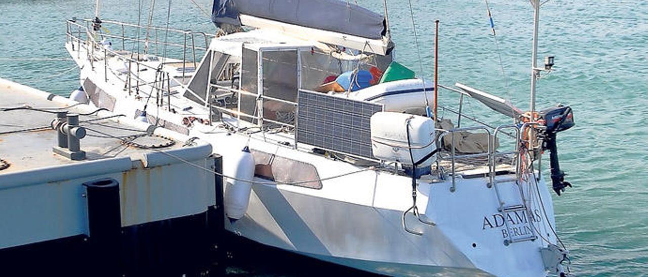 El velero 'Adamas', capturado hace casi tres años cerca de Tenerife con 725 kilos de cocaína.