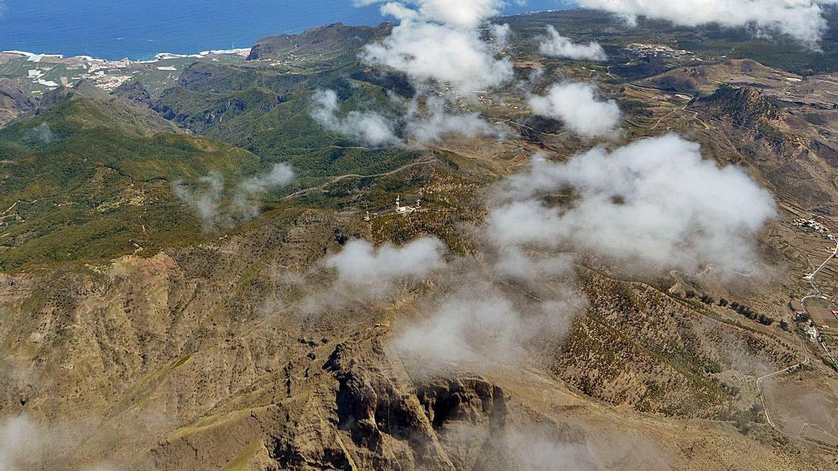 El radar meteorológico se instalará en la montaña de Cruz de Gala (en el centro de la imagen).