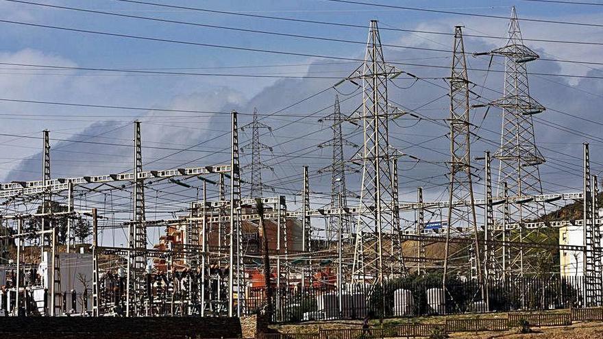 Urbanismo licita el soterramiento de los cables de Los Ramos