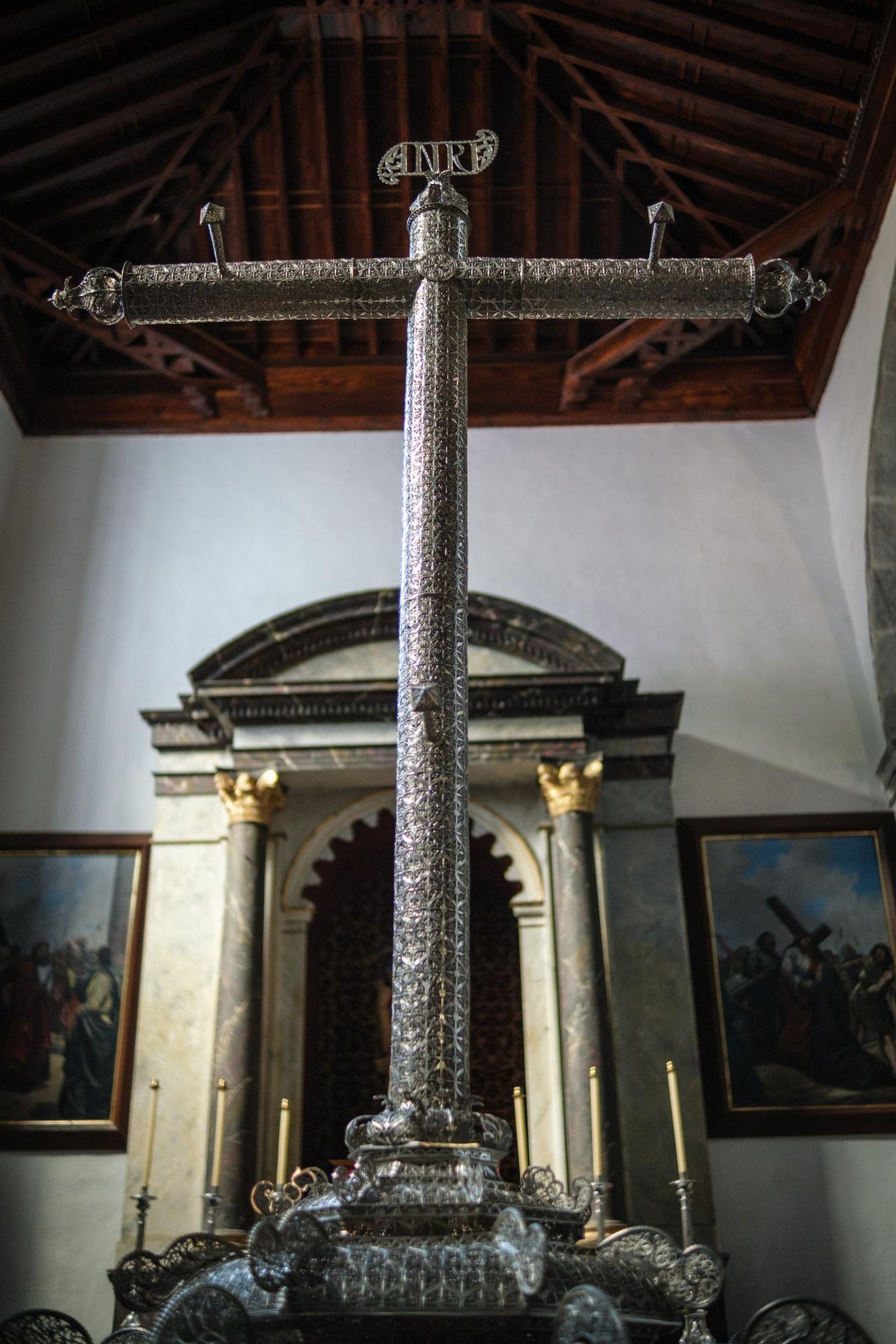 Traslado de la Virgen y el caimán de Las Angustias
