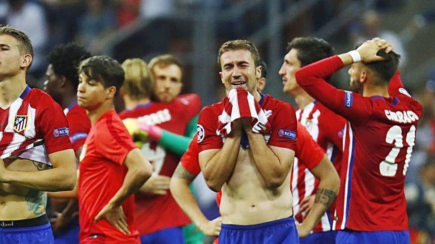 El árbitro de la final Madrid-Atlético reconoce el error en el gol de Ramos