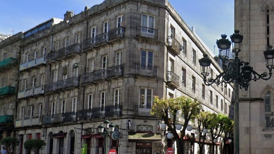 Subastan por 3 millones el edificio contiguo a la Iglesia de Santiago de Vigo