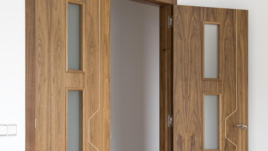 El producto con el que limpiar las puertas se va a convertir en una tarea más que sencilla