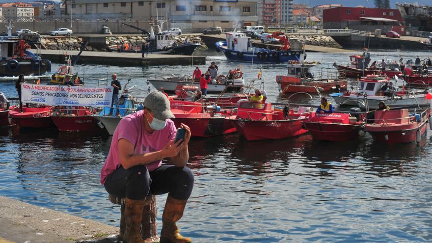 La flota de bajura se moviliza contra Europa