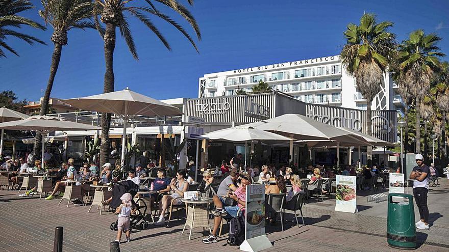 Cursach vende el restaurante Asadito y la discoteca The Club