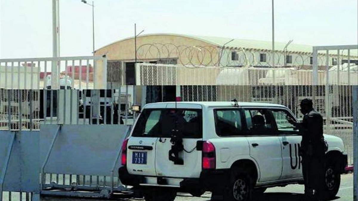 Un camión en el control fronterizo del paso de Guerguerat.