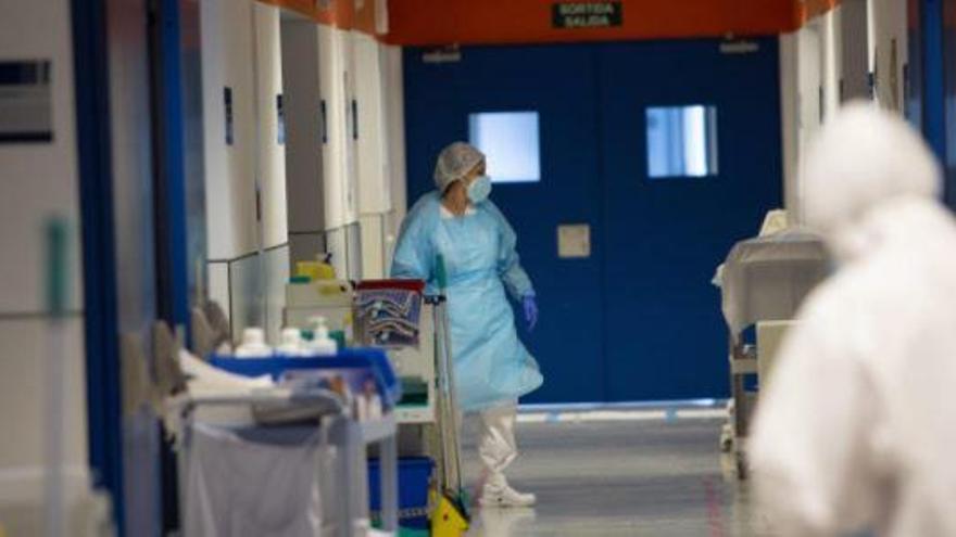 Muere en Ibiza un joven de 30 años por coronavirus en un día con récord de contagios