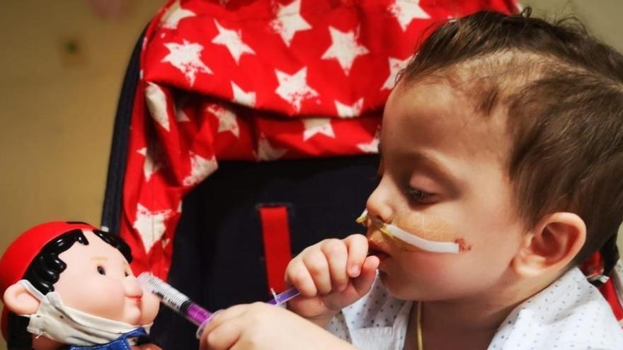 Un niño recibe el alta tras ser trasplantado de seis órganos en el Hospital La Paz