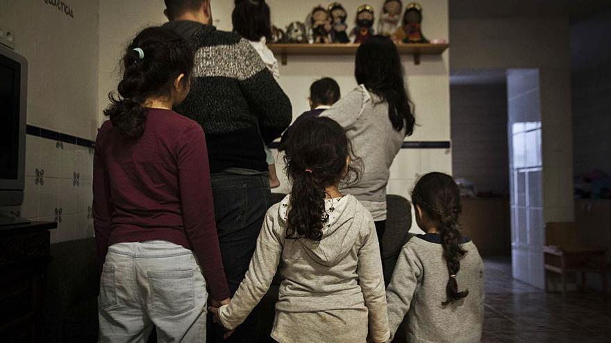 La pandemia reduce hasta un 40 %    la llegada de inmigrantes por la covid