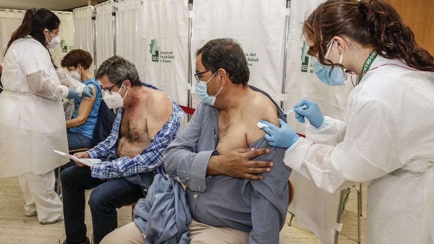 Cáceres duplica el ritmo de las vacunas con 3.000 dosis al día