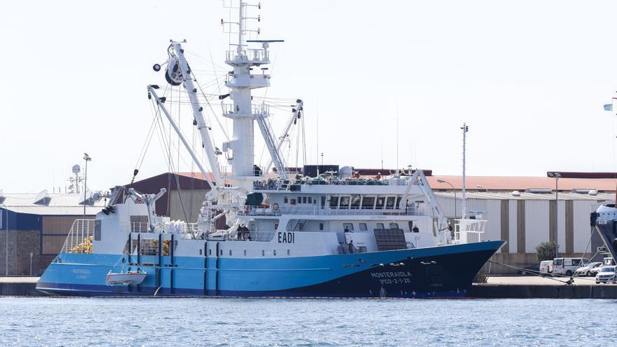 Los Navy Seals españoles preparan el 'asalto' a un atunero en aguas de Vigo