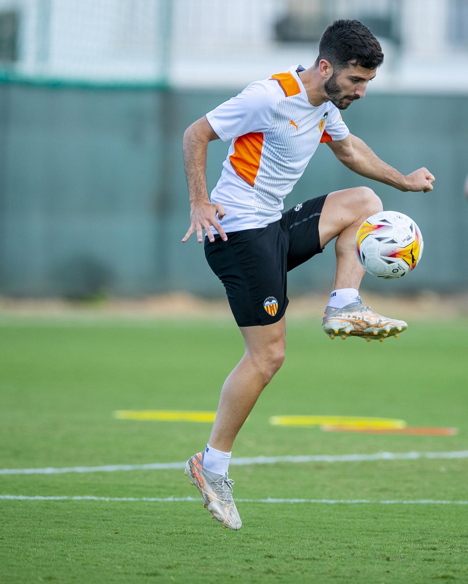 La semana de entrenamientos del Valencia CF en imágenes