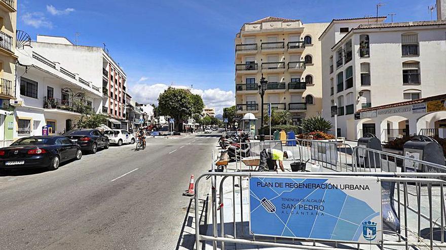 Mejoran la movilidad en vías del centro de San Pedro Alcántara
