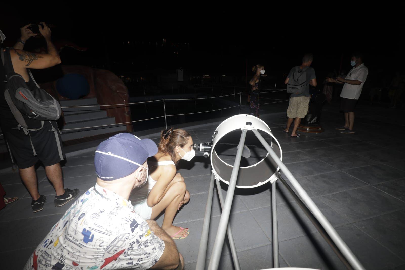 Noche de perseidas en el parque acuático de Alcudia
