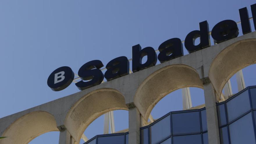 El Sabadell gana un 0,4% menos de enero a marzo