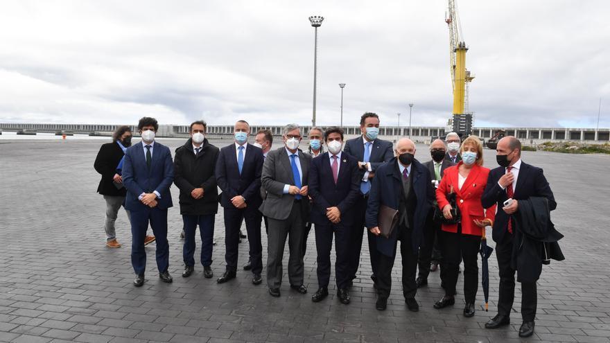 Visita de empresarios al puerto exterior