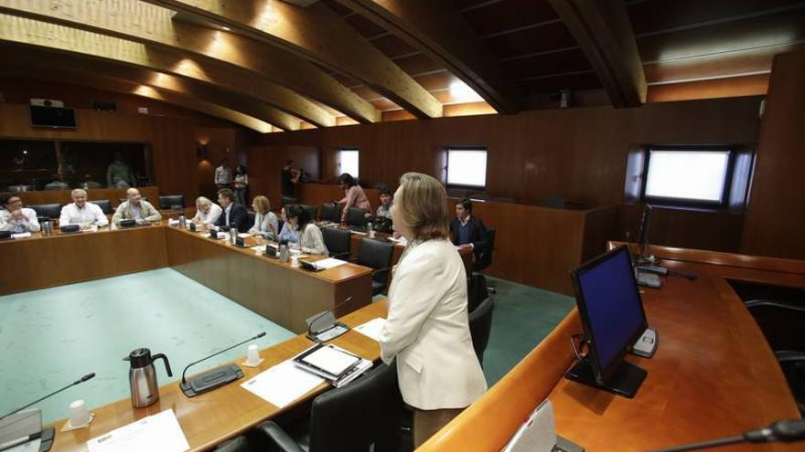Rudi acusa a Lambán de ser más barón del PSOE que presidente