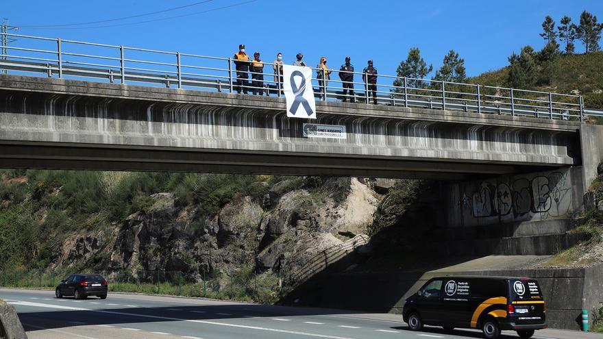 La Guardia Civil revisa las cámaras de la gasolinera de Salceda por el accidente mortal