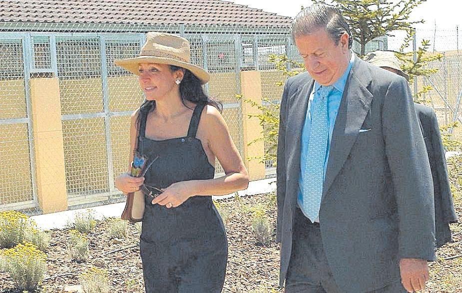 Esther Koplowitz y el marqués de Cubas en Mallorca.