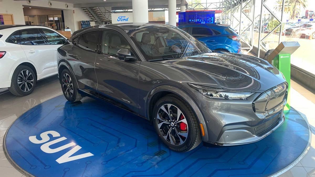 La exposición de la carretera de Madrid de Autos Montalt ya cuenta con el nuevo Mustang Mach-E.