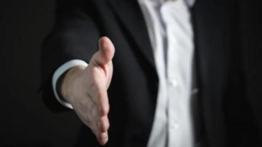 La confianza empresarial cae en Canarias un 29,9%