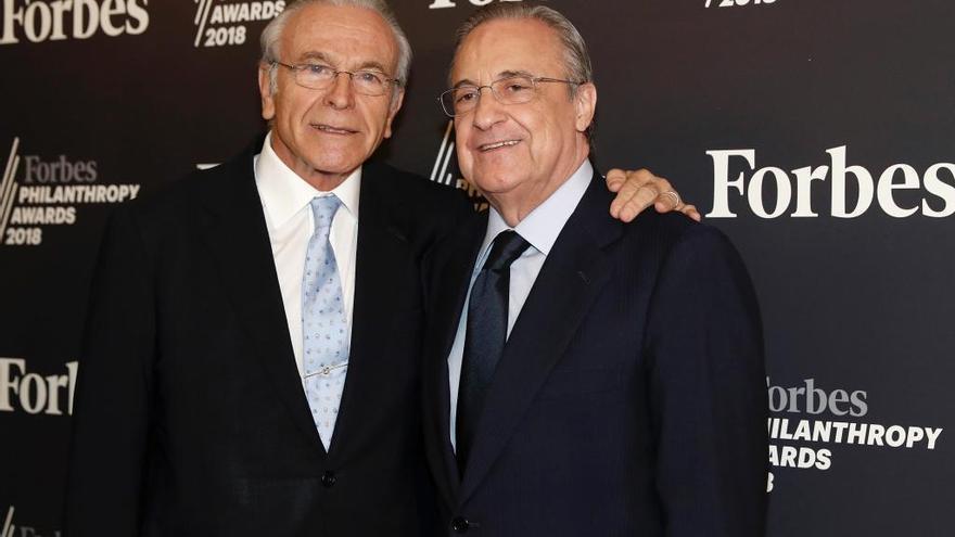 Isidro Fainé recibe el premio Forbes a la Filantropía por la labor de La Caixa