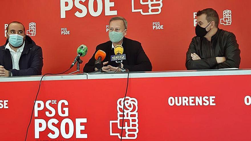 """PSdeG y BNG piden que Caride """"se marche"""" de la Diputación"""