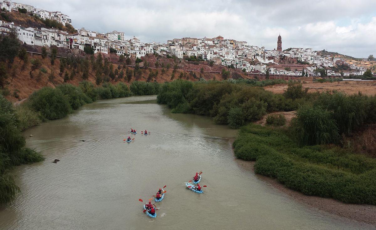 Disfruta del Río a golpe de remo. Piragüismo en Montoro