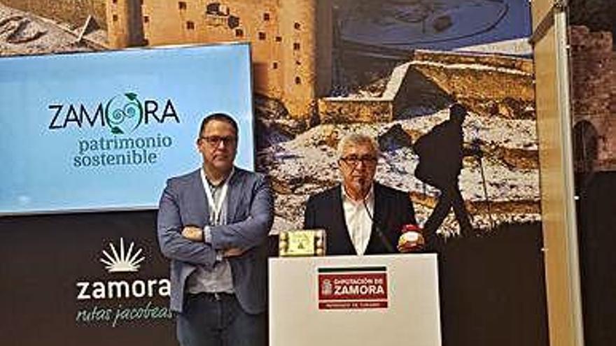 Puebla promociona la campaña de la iluminación navideña en Intur