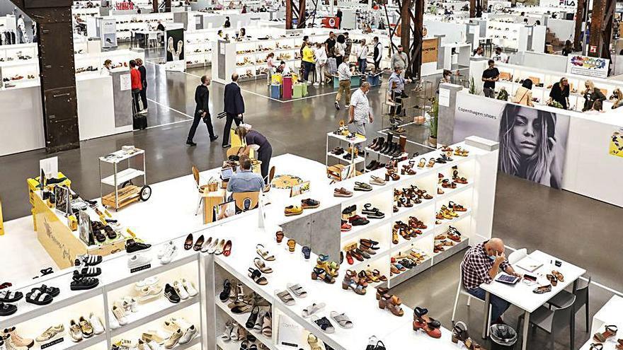 Ocho empresas de calzados de Elche acuden a la Feria de Düsseldorf