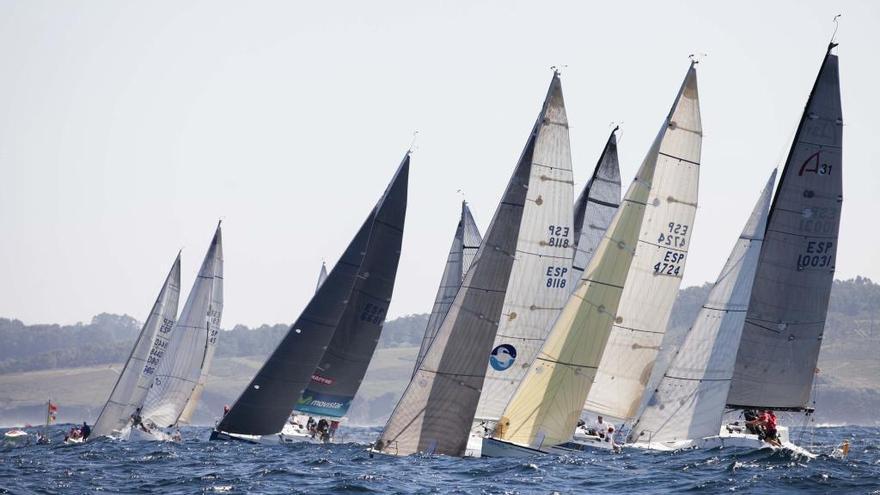 Unos doscientos regatistas disputarán la regata Infanta Elena