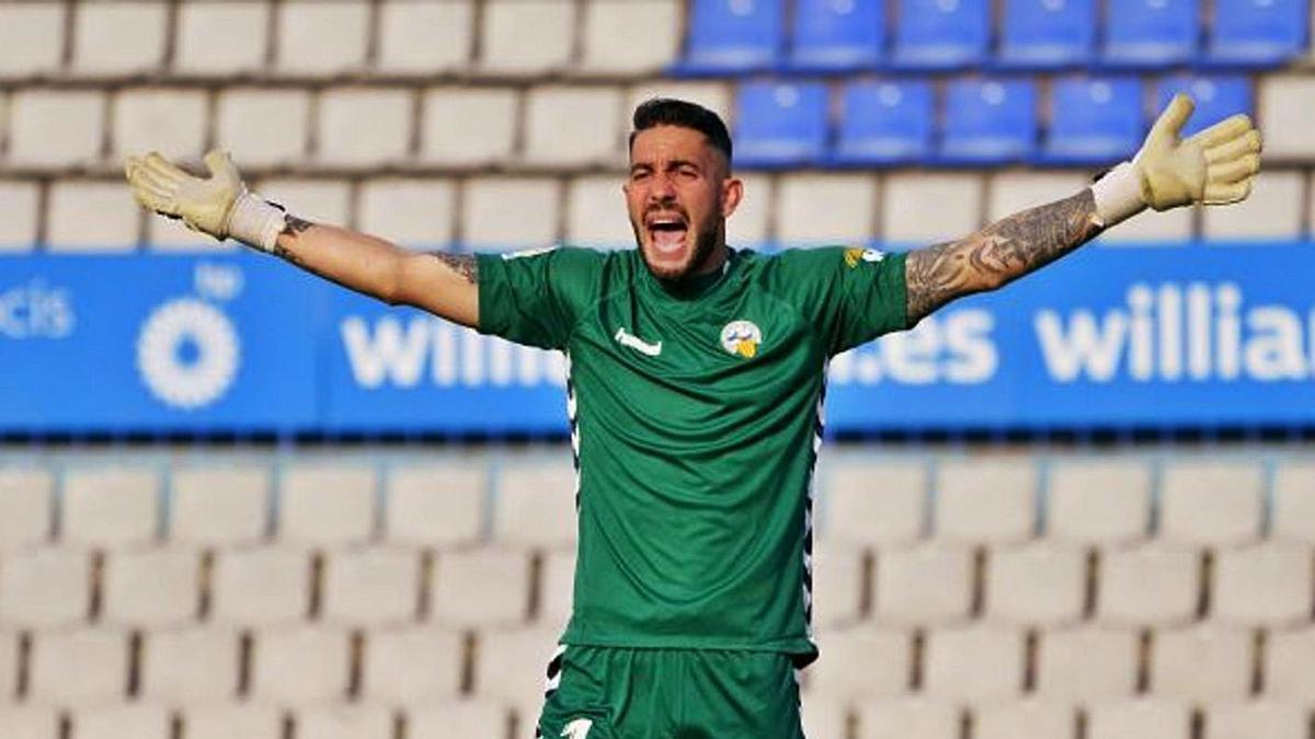 Ian Mackay, durante un partido con el Sabadell esta temporada. |  // LALIGA