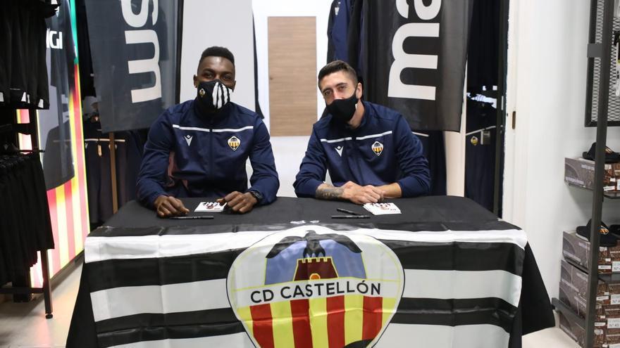 VÍDEO | Pablo Hernández y Koné firman autógrafos y se hacen fotos con aficionados del Castellón