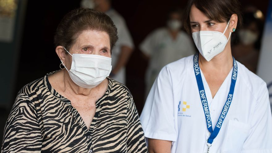 Más de 9.600 personas ya han sido vacunadas en Canarias