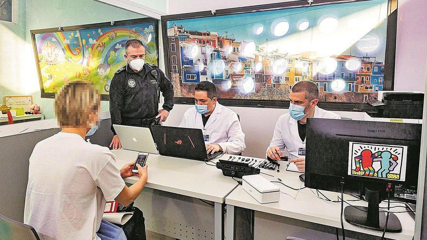 Expertos alertan del aumento de casos de ciberacoso a víctimas del maltrato por la pandemia