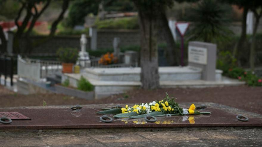 La Laguna refuerza la vigilancia en los cinco cementerios