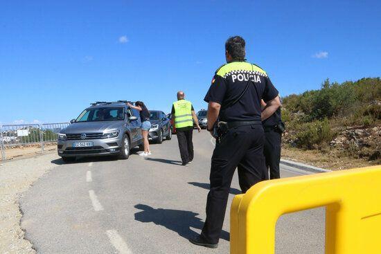 La policia controlant els accessos.