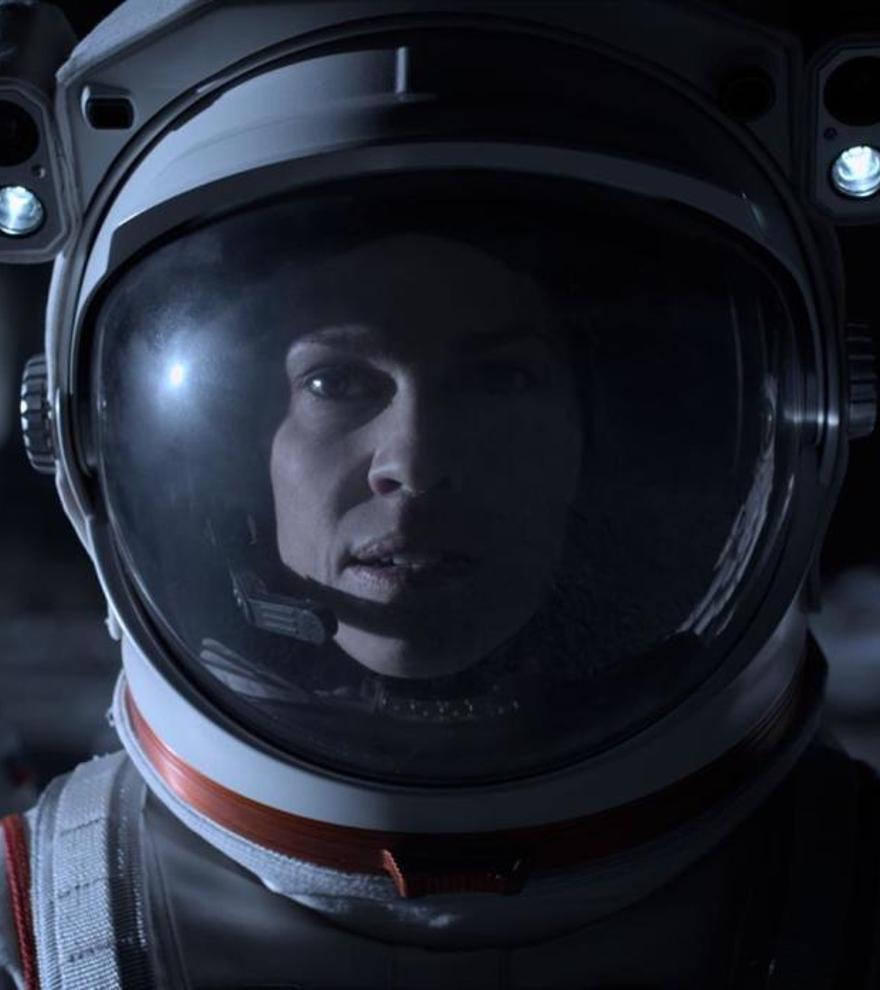 Netflix cancela 'Away', la serie espacial de Hilary Swank
