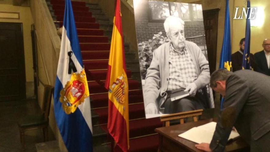 """""""Querido Fernando..."""": Avilés rinde honores al exministro que """"europeizó"""" España"""