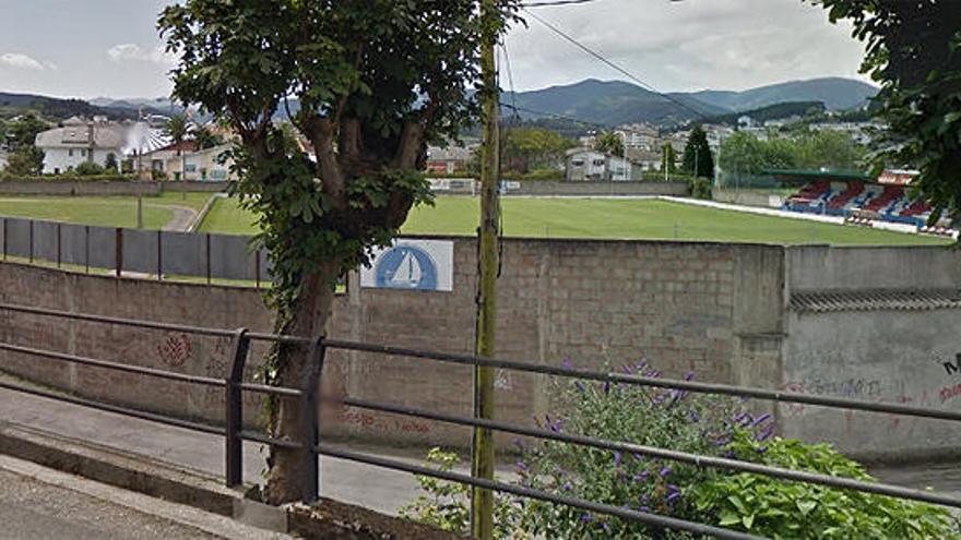 Muere un futbolista asturiano de 18 años que chocó el día 15 contra el muro del campo